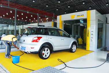 ประเทศจีน Yellow Tunnel Car Wash System Brushed With Pneumatic Control System ผู้ผลิต